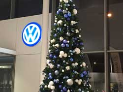 Christmas tree for car dealership